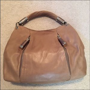 🥰Authentic Michael Kors Twist Handle Hobo🥰